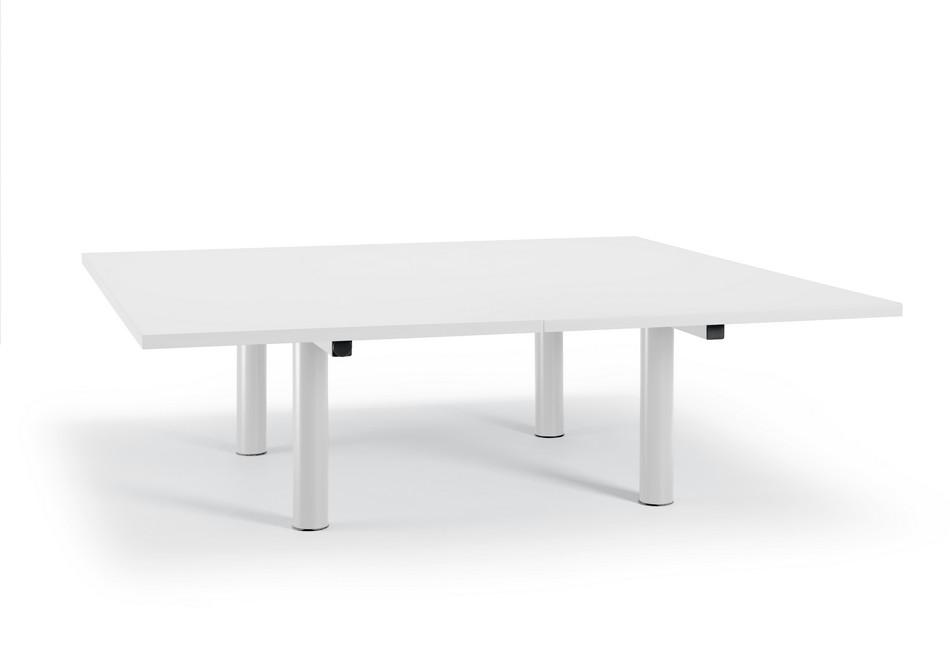 Стол для конференц-зала в белом цвете