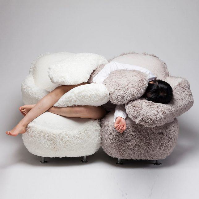 Дизайн образной мебели: кресло «Free Hugs»