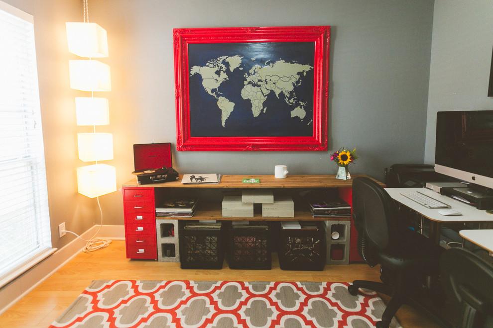 Идеи для вашего дома своими руками: картина мира на стене в домашнем кабинете