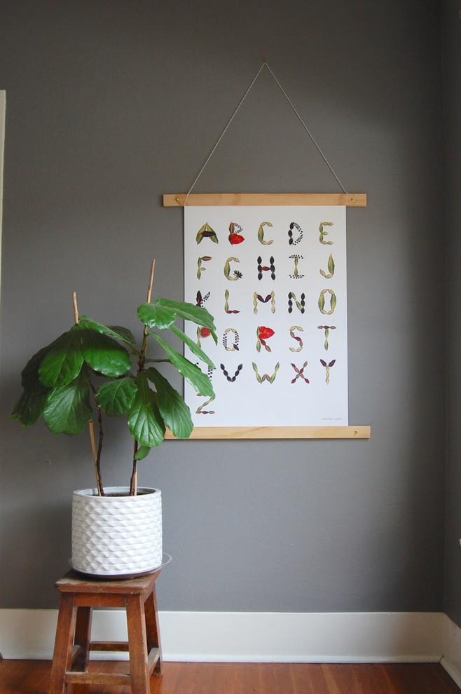 Идеи для вашего дома своими руками: гербарий в виде алфавита на стене