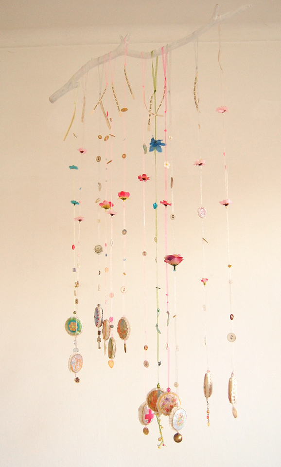 Идеи использования сломанных вещей: подвески на люстру
