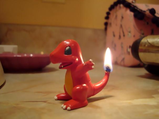 Свеча в форме динозаврика
