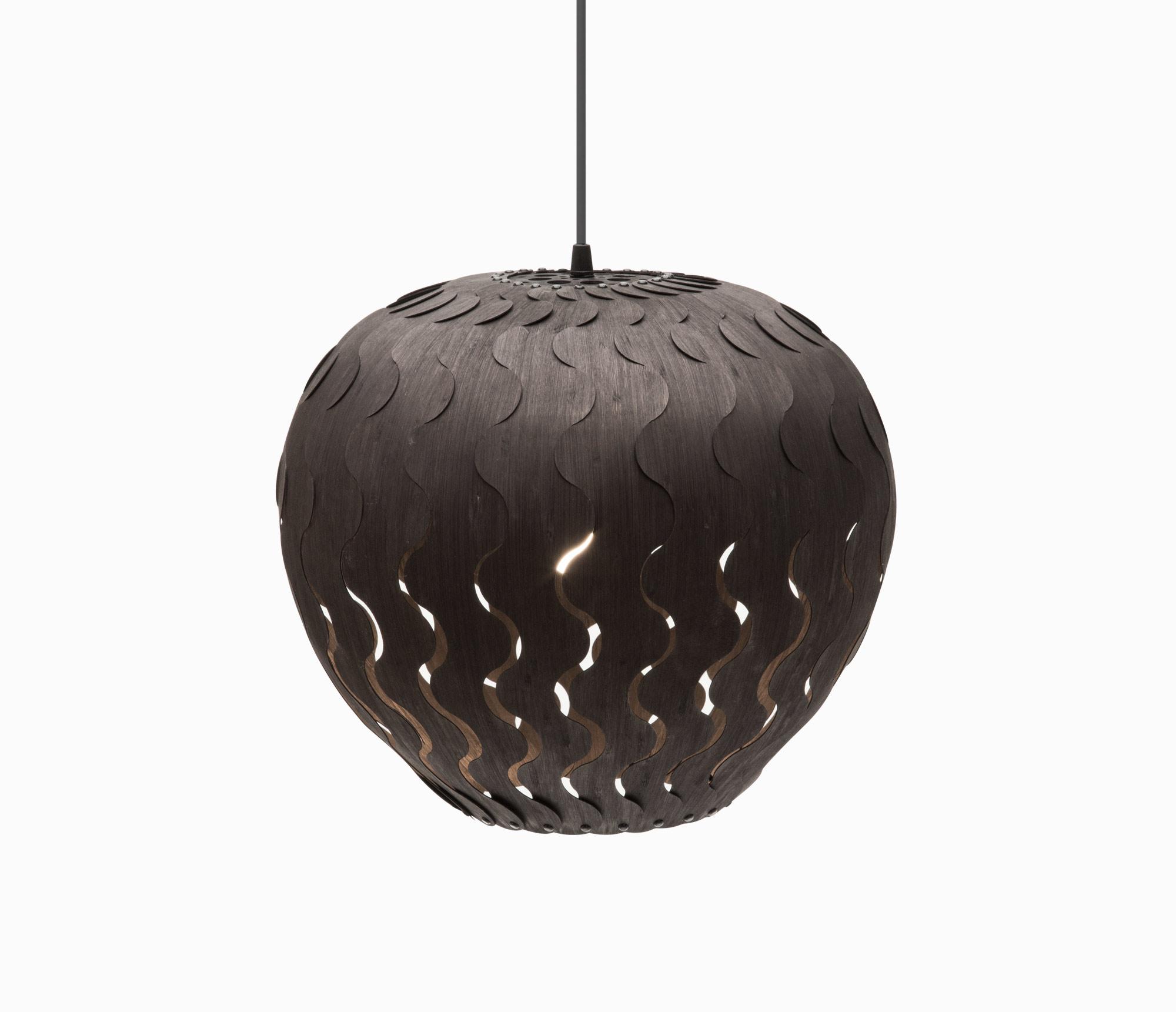 Подвесные светильники из дерева с минимум украшений - фото 2