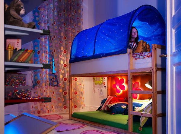 Двухъярусная кровать в детской от IKEA