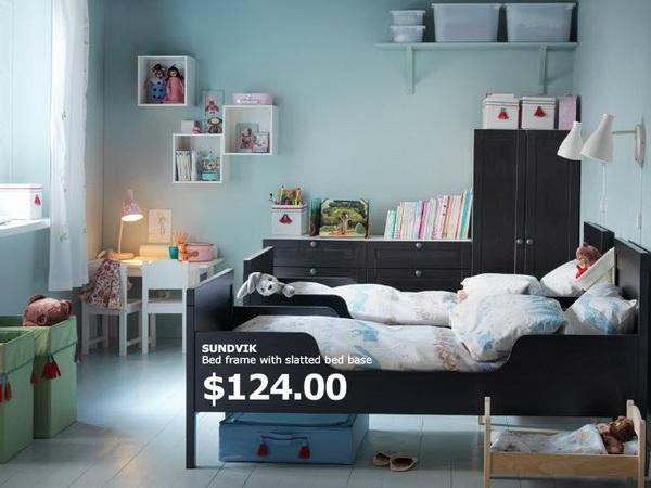 Чёрно-белая мебель в детской от IKEA