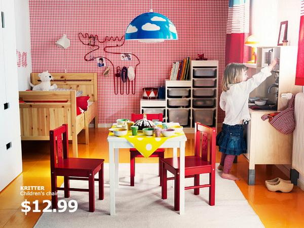 Яркая комната для девочки от IKEA