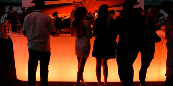 Уникальная барная стойка со светодиодной подсветкой