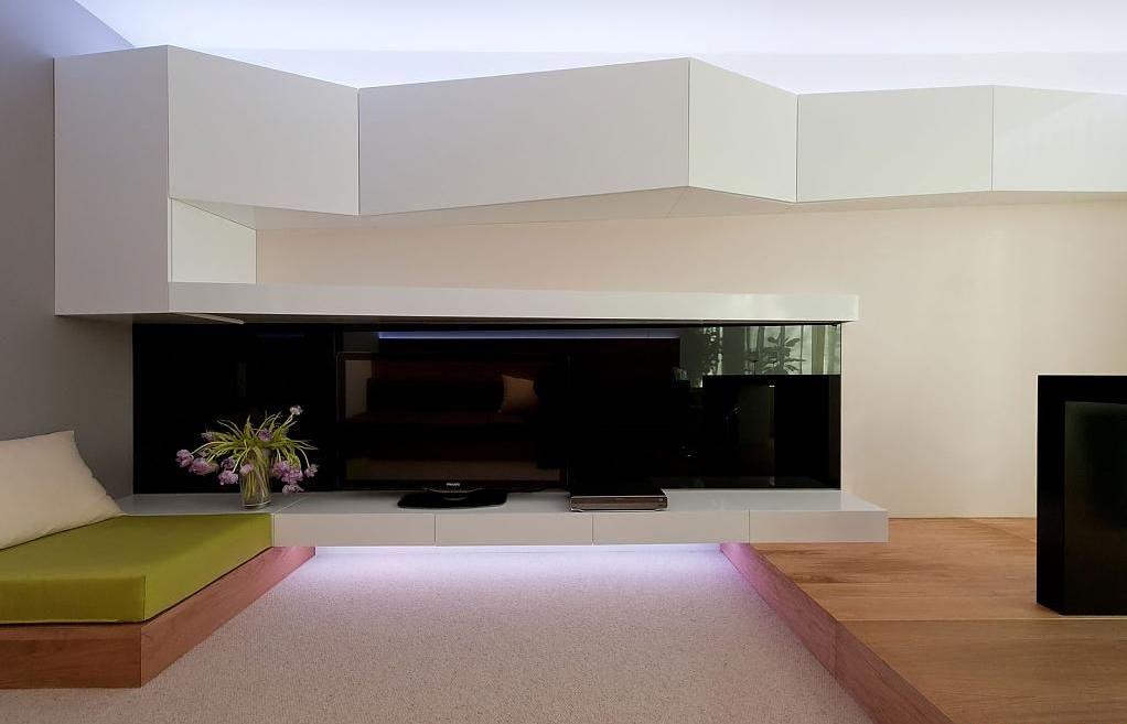 Шикарная композиция из света в интерьере помещения