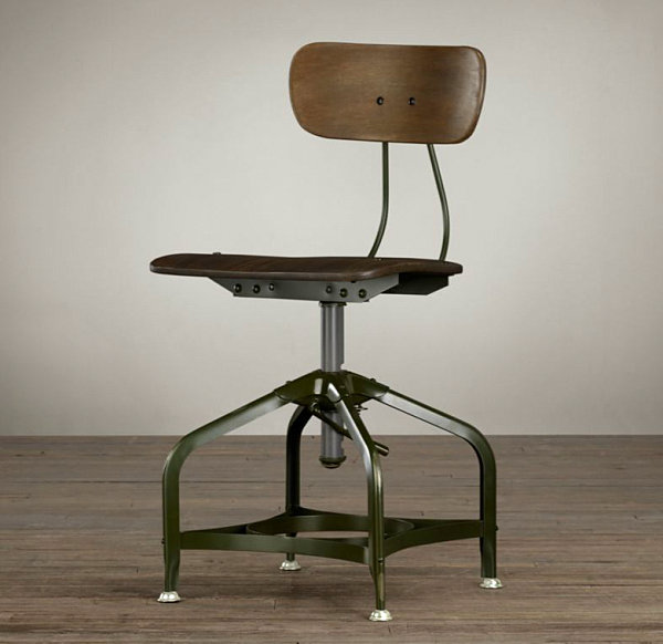 Старинный промышленный стул для столовой