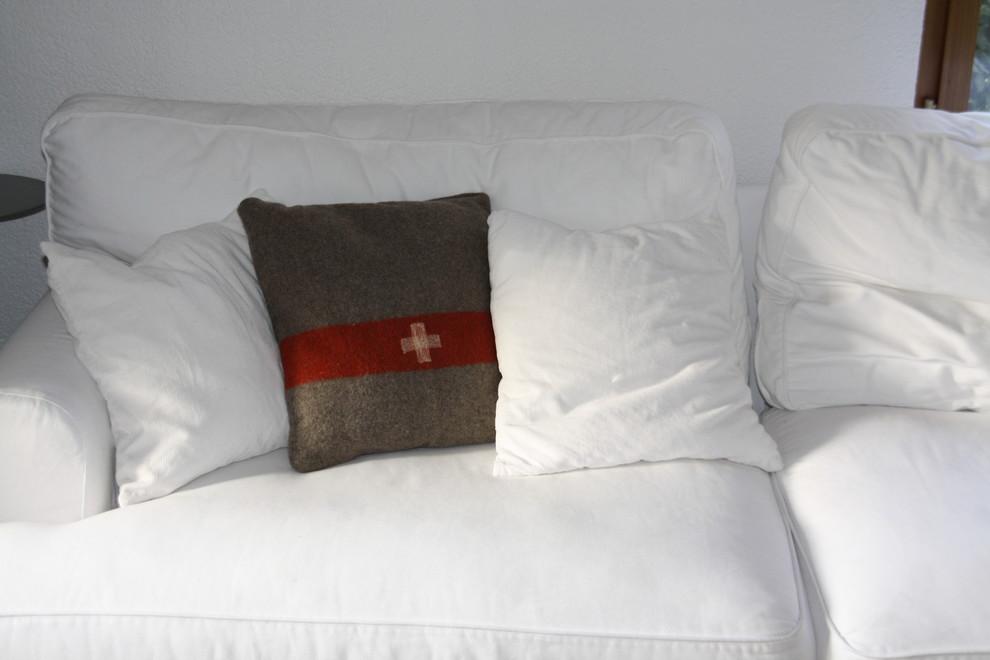 Дизайн подушки из армейского пледа