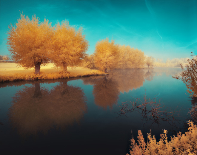 Original infrared landscape from the French photographer Devid Keochkerian
