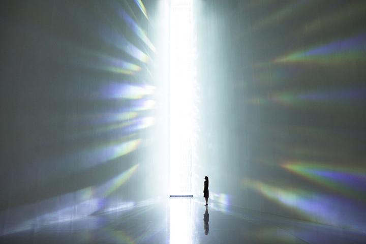 Божественное сияние музея в Токио, Япония