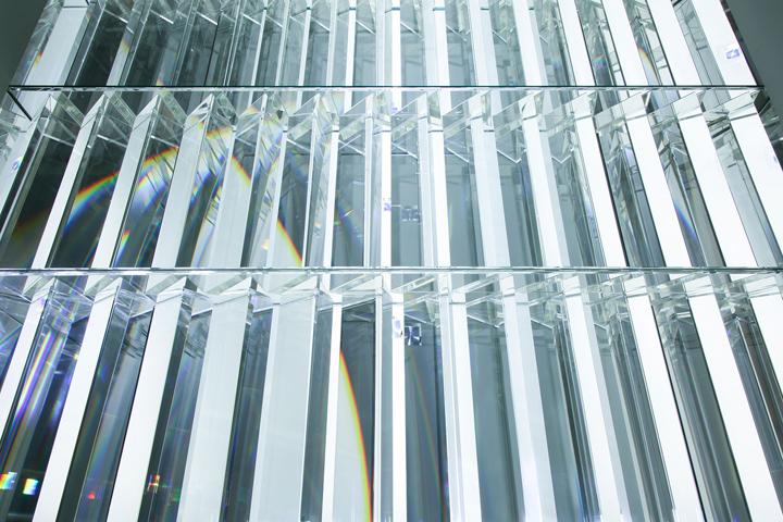 Ровные конструкции инсталяции в Museum of Contemporary Art
