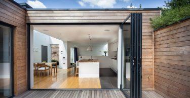 Интересные дизайнерские решения для внешнего интерьера загородного дома