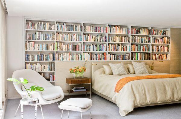 Яркое кресло Womb от Eero Saarinen