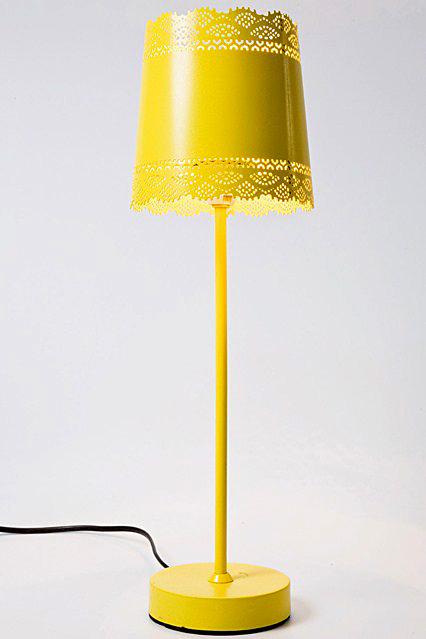 Желтый напольный светильник