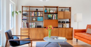 Старинная мебель в гостиной зоне