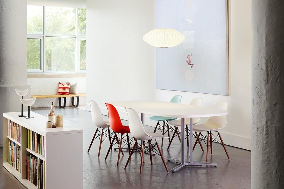 Стулья Eames в столовой