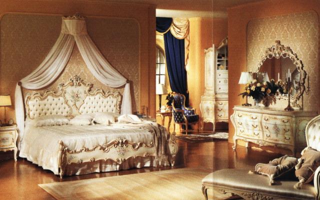 Очаровательная спальня в стиле ампир