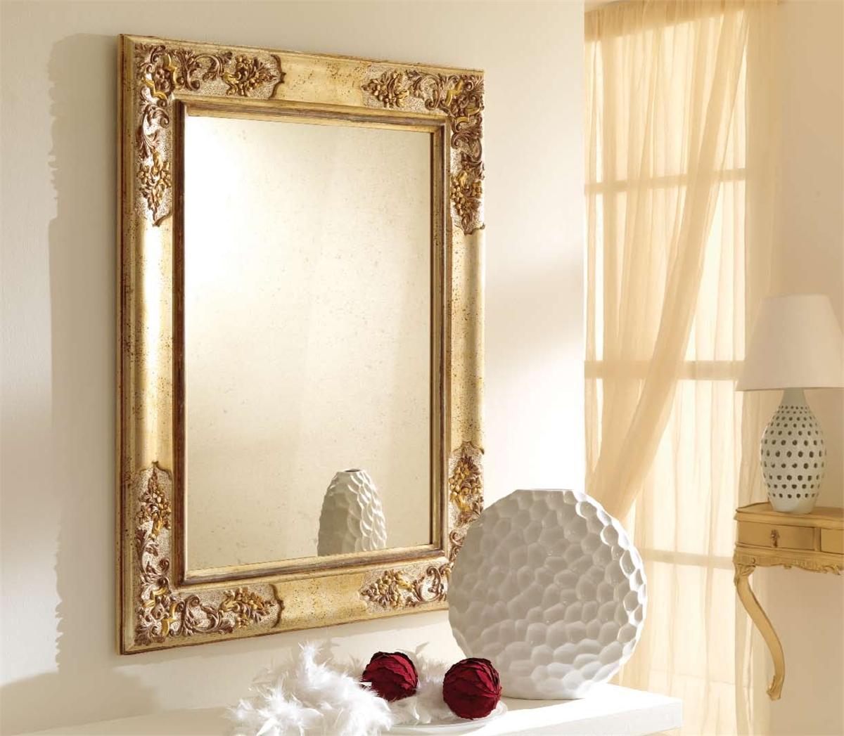 Зеркало во французском стиле