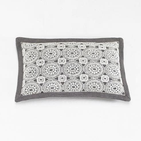 Подушка во французском стиле