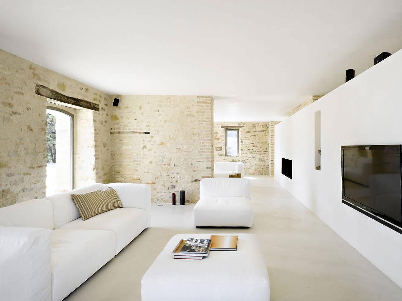 Умопомрачительное оформление интерьера помещения в стиле минимализм