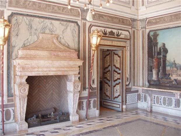 Восхитительный дизайн интерьера помещения в стиле ренессанс