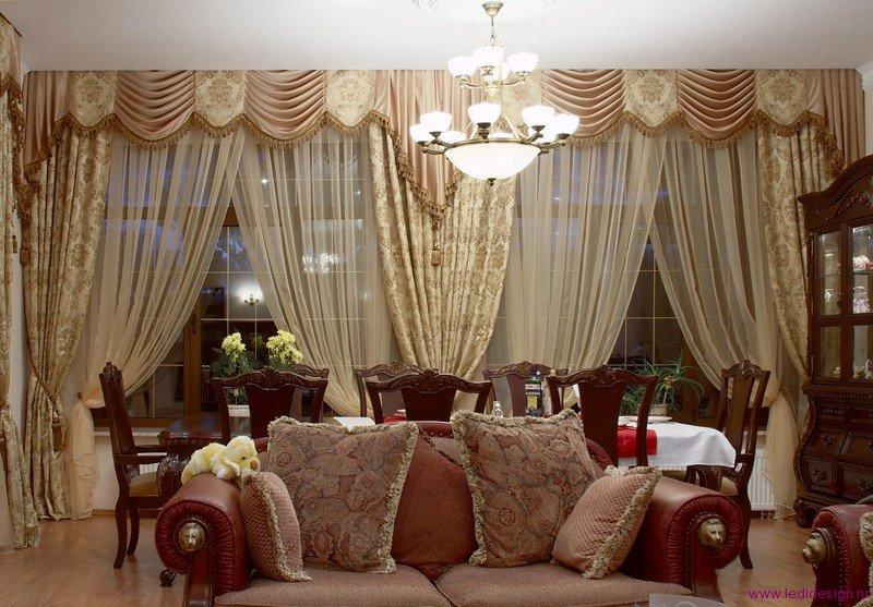 Стильный дизайн интерьера помещения в стиле ренессанс