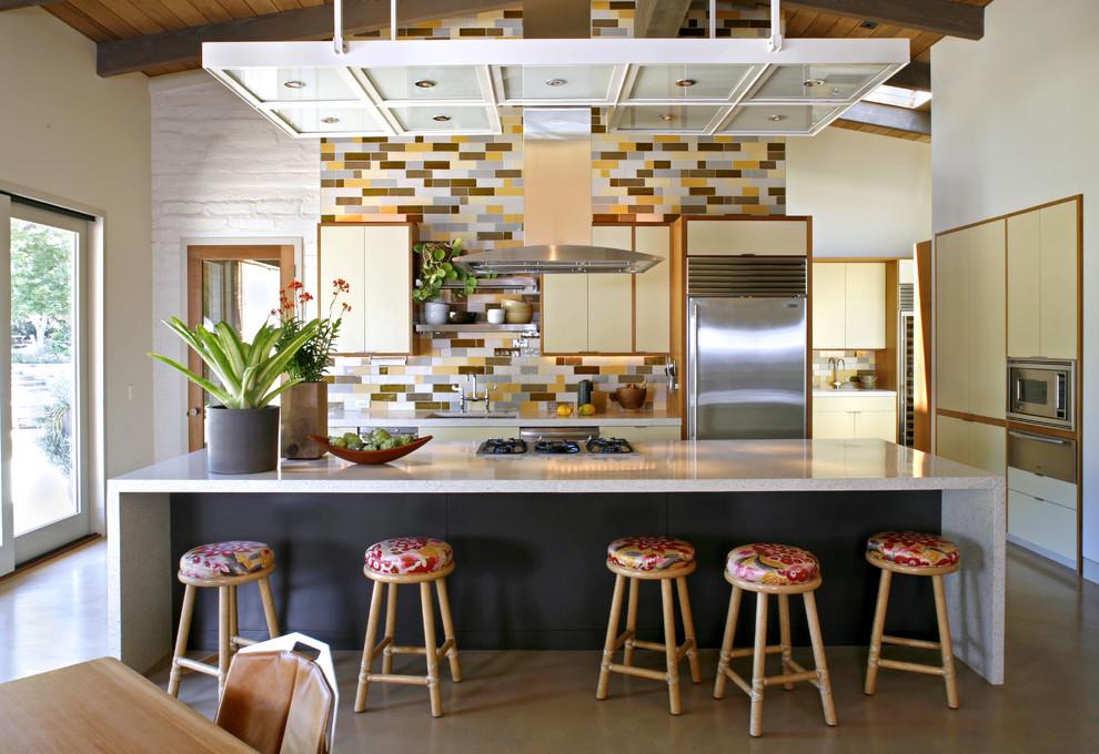 Табуреты в интерьере кухни