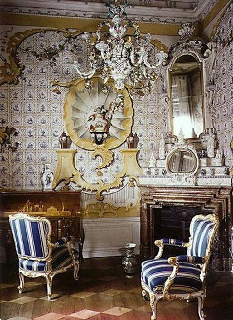 Домашний офис в стиле рококо