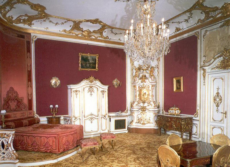 Красивое оформление интерьера в стиле рококо