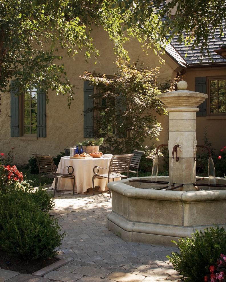 Оформление дворика в стиле средиземноморья