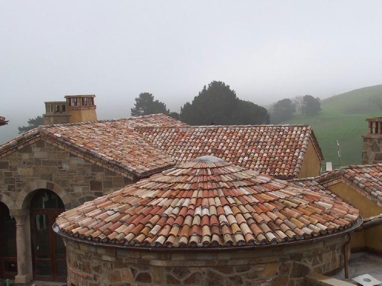 Оформление крыши здания