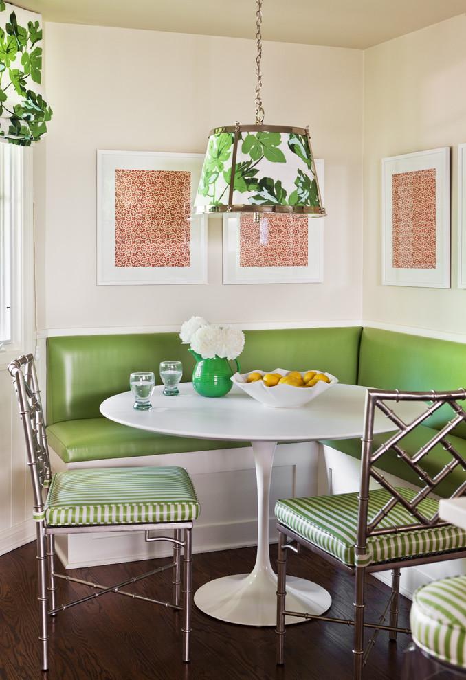 Мягкий кухонный уголок зеленого цвета