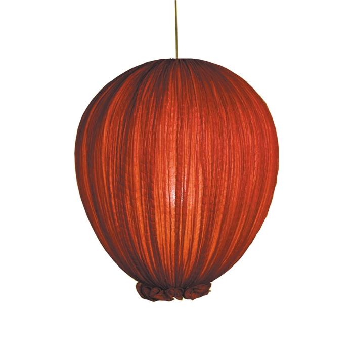 Чудесный подвесной светильник в красном свете