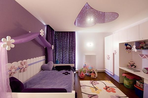 Фиолетовая стена в детской