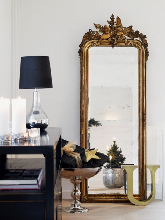 Зеркало в старинном стиле