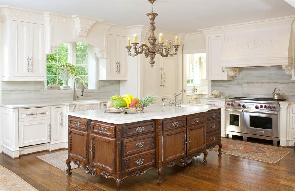 Потрясающий интерьер домов в стиле барокко - элегантная кухня