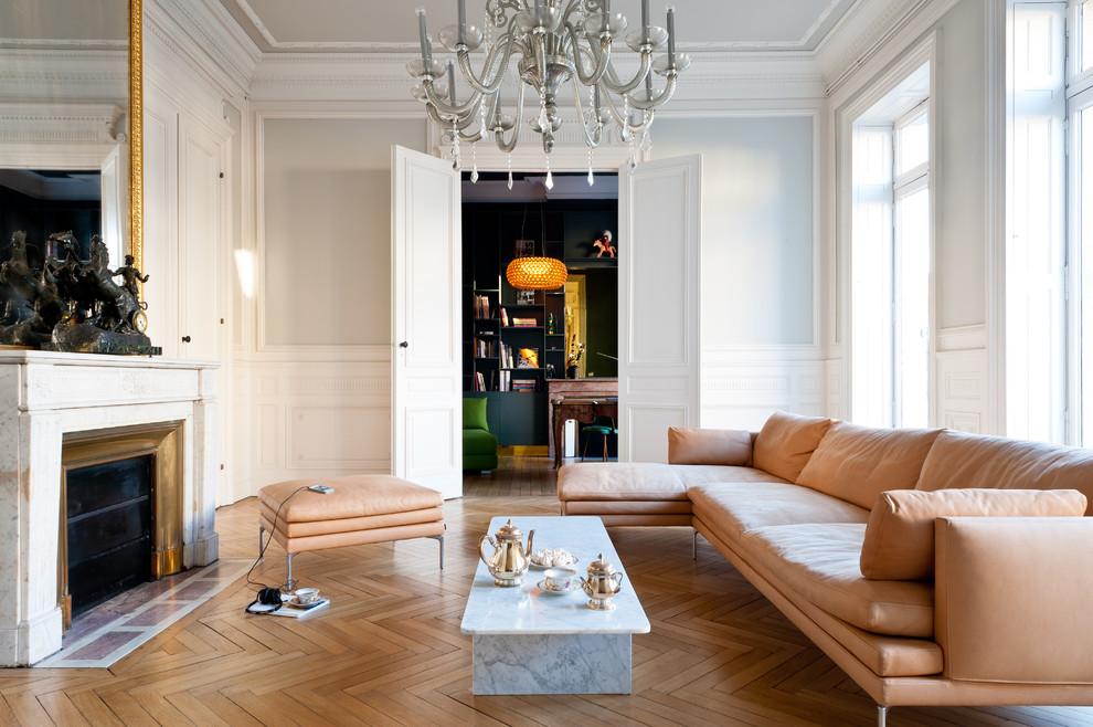 Потрясающий интерьер домов в стиле барокко - лепнина и позолота