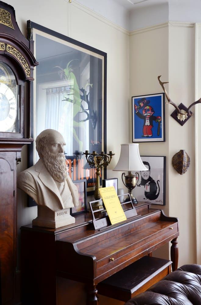 Интерьер квартиры в стиле эклектика: стариноое пианино