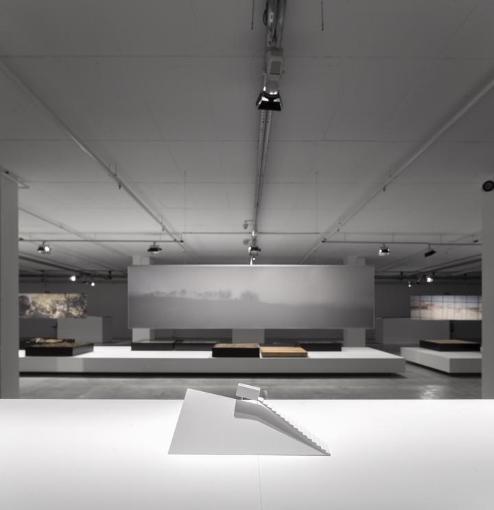 Современный интерьер выставочного зала - Фото 5