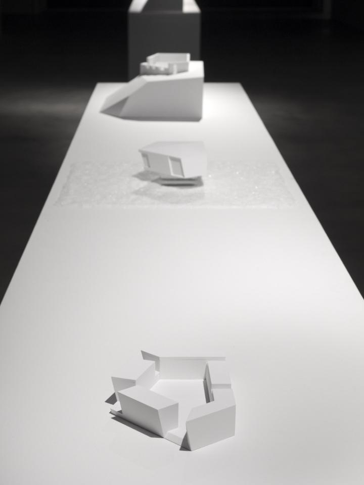 Современный интерьер выставочного зала - Фото 9