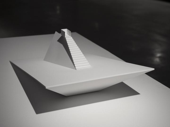 Современный интерьер выставочного зала - Фото 12