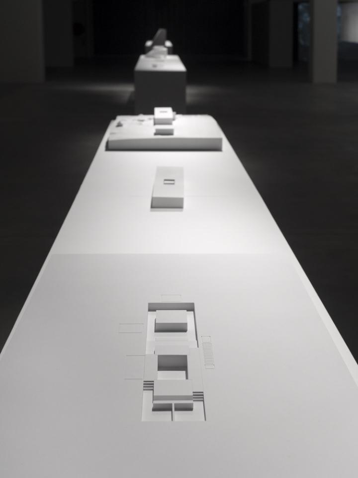 Современный интерьер выставочного зала - Фото 13
