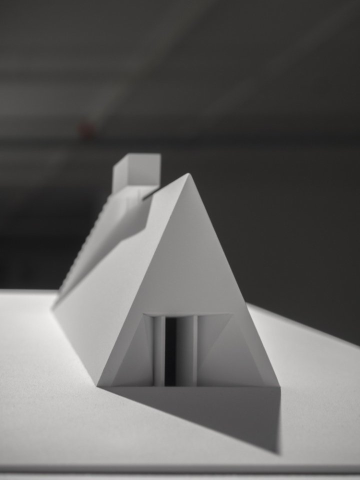 Современный интерьер выставочного зала - Фото 14