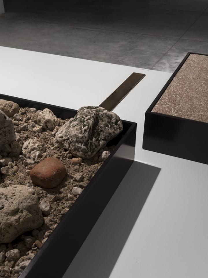 Современный интерьер выставочного зала - Фото 22