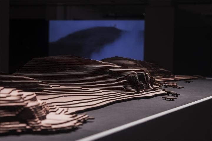 Современный интерьер выставочного зала - Фото 29