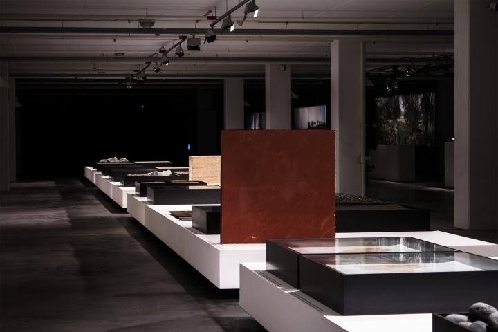 Современный интерьер выставочного зала - Фото 30