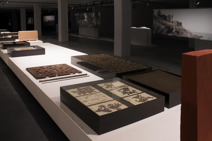 Современный интерьер выставочного зала - Фото 31