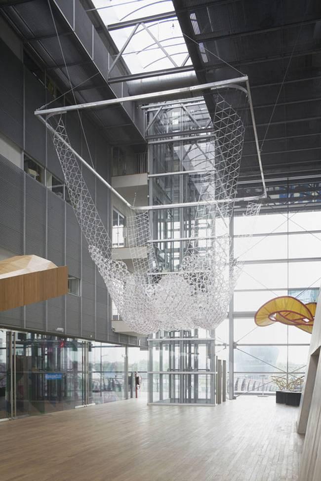 Искусство дизайна интерьера: инсталляция из шариковых ручек - Фото 1